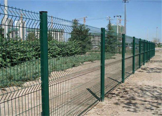 Chiny 50x200mm Welded Bending Mesh Fence Panels Protecting Application pvc Coated Or Galvanized fabryka
